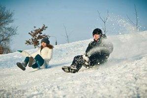 Катание на горках и прокат снегоходов в Москве