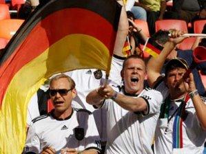 Немцы массово сдают билеты на Евро-2012