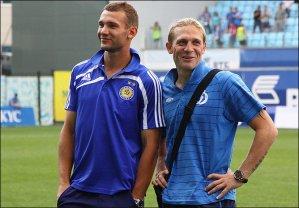 Шевченко и Воронин сыграли в футбол на паркинге (ВИДЕО)
