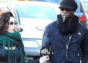 Манчини хочет, чтобы Балотелли бросил курить