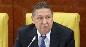 Коньков игнорирует вопросы прессы о заявке на Евро-2020